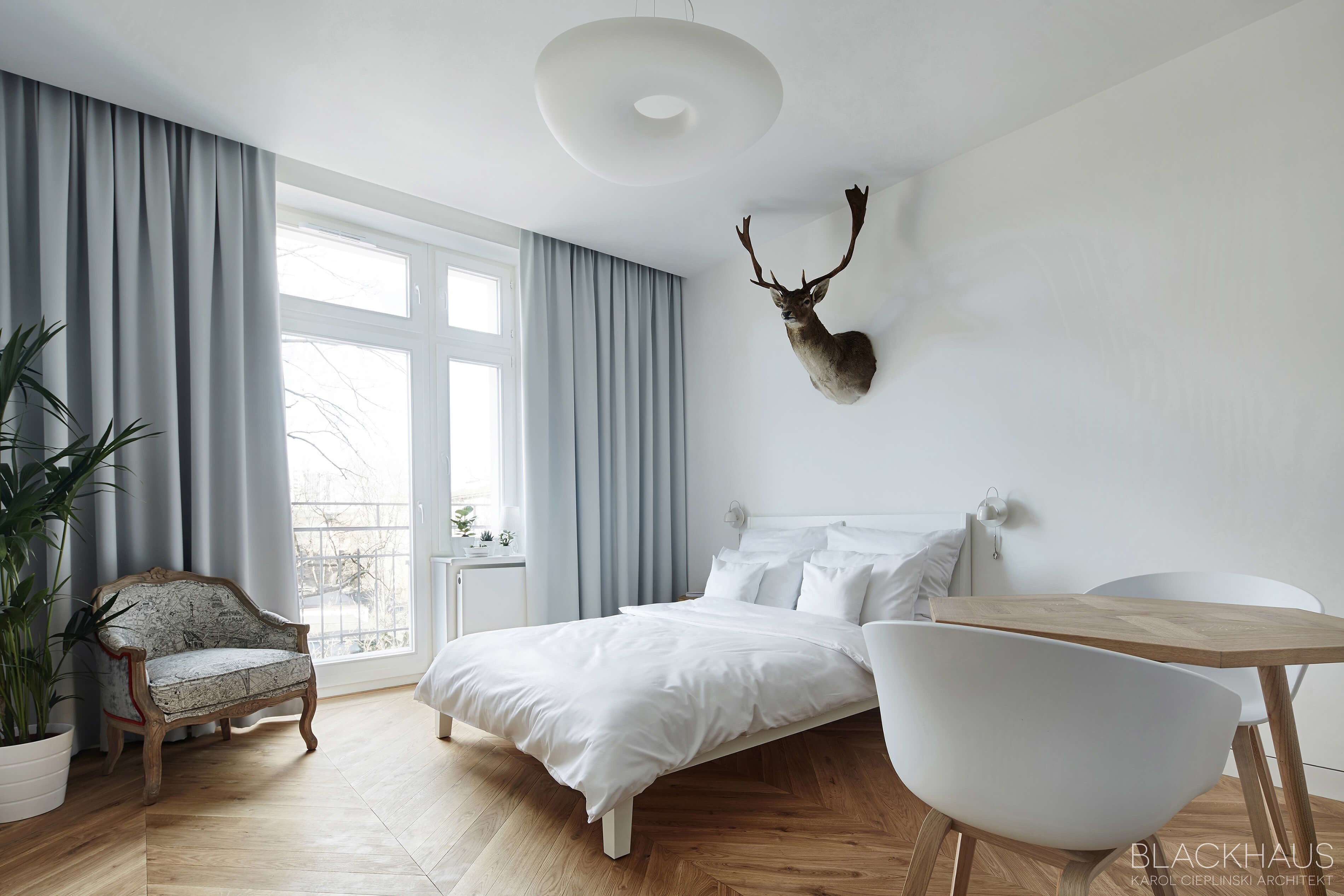 002-daniel-apartment-blackhaus